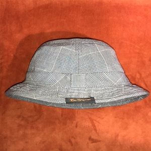 🎩 BEN SHERMAN BUCKET HAT -LIKE NEW